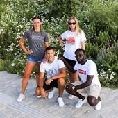 Rendez-vous vendredi soir au Marché Du Lez  Republik Of Montpellier viendra présenter sa gamme de t-shirts dédiée à la capitale héraultaise dans le cadre des Les Festiv'Halles du Lez, qui exceptionnellement se déroulent aussi un vendredi.   Venez découvrir notre collection et rencontrer notre équipe ce vendredi 31 juillet, entre 18h et minuit, aux @Halles du Lez.   #Montpellier #Modeinmontpellier #Localcollection #Romylooks #Ilovemontpellier